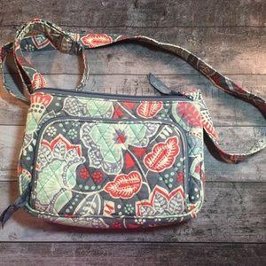 Vera Bradley crossbody purse. Gray